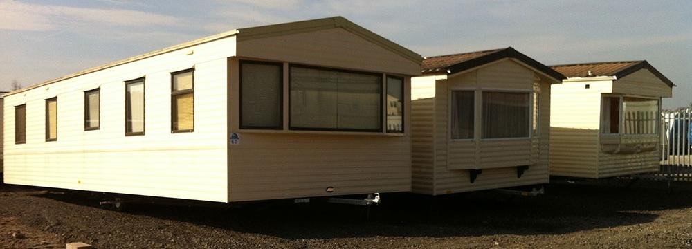 3 Caravans - Dirt Road (Side)